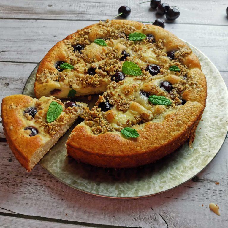 Čerešňovo- tvarohový koláč smrveničkou zo pšeničnej muky Pernerka